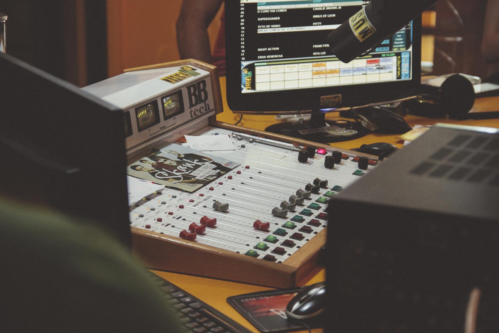 Musique à la radio en 2018 : une démonstration magistrale de l'efficacité des quotas de chanson française